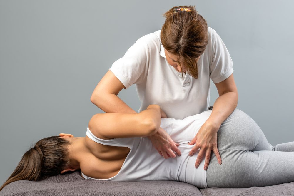 What is Spinal Manipulation | Premier Injury Clinics of DFW